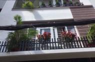 Cho thuê nhà nguyên căn mặt tiền Trần Khánh Dư, Q.1, trệt, 3 lầu, ST, 5mx25m, 40 tr/tháng
