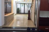 Cho thuê nhà MT Võ Thị Sáu, Quận 1. DT: 4.5x15m, 2 lầu, giá 46.2 triệu/th