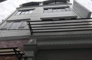Cho thuê nguyên căn hẻm 2A đường Nguyễn Thị Minh Khai, Quận 1