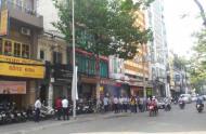Cho thuê nhà MT Nguyễn Trãi, Quận 1, DT: 8x20m, trệt, 5 lầu. Giá: TL