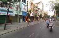 Cho thuê nhà nguyên căn mặt tiền đường Phó Đức Chính, phường Nguyễn Thái Bình, Quận 1