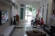 Bán gấp nhà hẻm 2,5m Nguyễn Văn Nguyễn, Q1. Giá: 5,5 tỷ TL