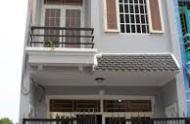 Bán gấp nhà đường Nguyễn Văn Nguyễn,quận 1, giá chỉ 4,3 tỷ. LH Hạnh: 0973413944