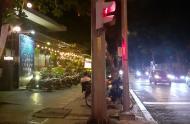 Cho thuê nhà đường Nguyễn Trãi ,Q1 dt: 8x27m , giá thuê 25.000$. Trệt và lầu 1 thuê 9.000$