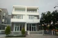 Cần cho thuê gấp biệt thự cao cấp liền kề Phú Mỹ Hưng, full nội thất, SD: 250m2, giá 30tr/tháng.