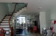 Muốn bán ngôi nhà phố Tư Đình Long Biên 5 tầng 60m2 giá 6 tỷ 3 ngõ ô tô