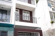 Cho thuê khách sạn đường Đỗ Quang Đẩu, Quận 1. Nhà nở hậu  Dt 4.06x14,5 NH Giá 65tr