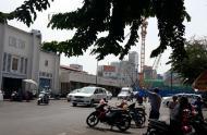Cho thuê 27-29 Phan Chu Trinh Q.1 DT 8x23m, 2L, giá 250tr/th