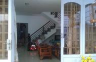 Cho thuê nhà nguyên căn ngang 8m, dài 14m, 1 trệt, 1 lầu rộng rãi, thoáng mát.